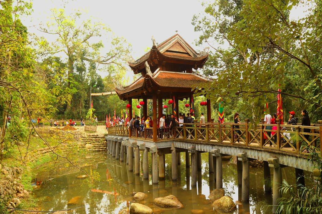 Làng Thượng Yên Công (Quảng Ninh)